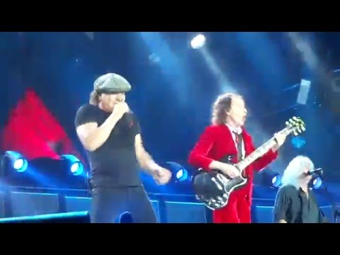 AC/DC - Thunderstruck. Live In Brisbane 12th November 2015 @ QSAC Stadium.