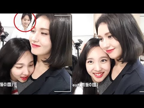 [ENG SUB] Little Somi meets her unnies (2015 vs 2018) thumbnail