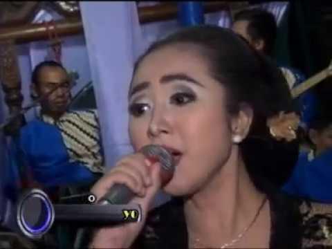 KASMARAN CANTIK DEVI SINDEN Campursari Tri Budaya om tebe musik