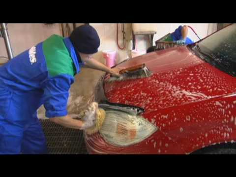 Bubbles car wash teaches EyesOn Edmonton the art of washing and detailing