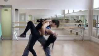 Очень красивый танец!!! У девушки классная фигура(, 2015-01-09T13:11:01.000Z)