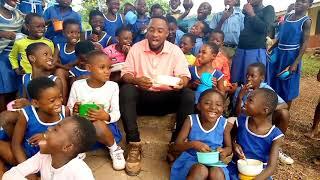 🇬🇭 Ghana's Dancing Teacher And His Pupils