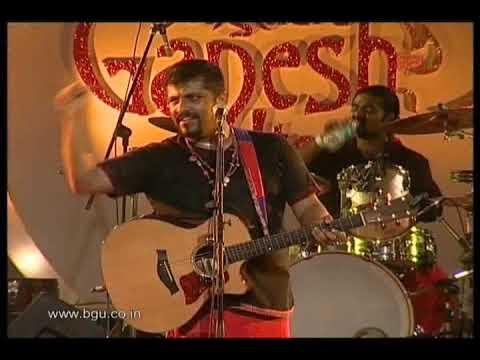 Raghu Dixit performing at 49th Bengaluru Ganesh Utsava - video 1
