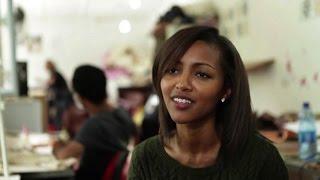 Abai, giovane etiope lanciata nel business delle borse di lusso
