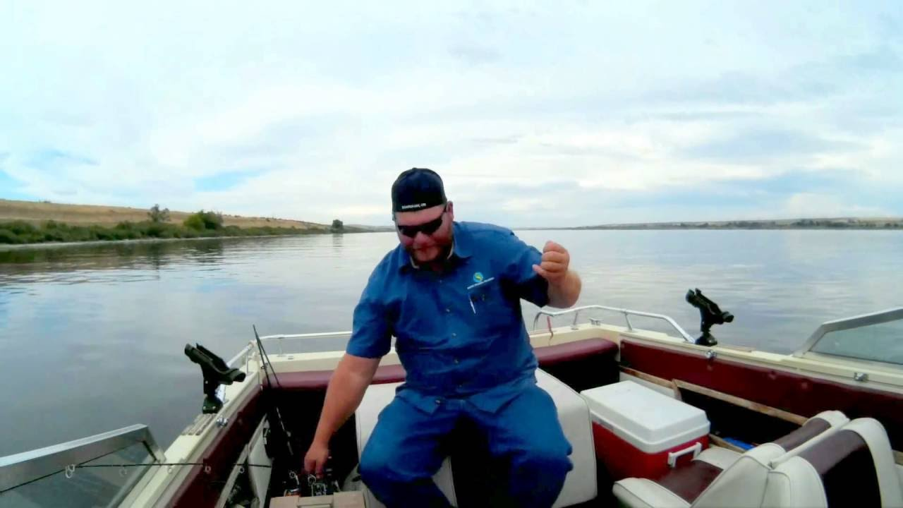 Columbia river walleye 7 18 16 youtube for Columbia river walleye fishing report