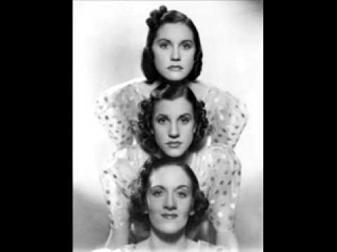 Andrews Sisters - Three Little Fishes