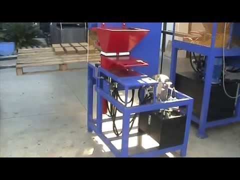 ECO-PRESS 2.0_13 Automatic compressed earth brick machine