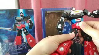 光速電神(ALBEGAS) 是我小時候非常喜歡的動畫機器人,機器人的設定是由...