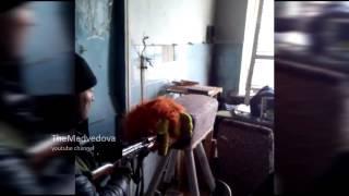Боевики испытывают самодельные глушители в библиотеке(Я створив(-ла) це відео за допомогою Відеоредактора YouTube (http://www.youtube.com/editor), 2015-04-01T21:21:19.000Z)