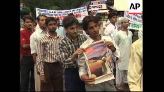 INDIA/PAKISTAN: PROTESTS AGAINST US ATTACKS ON AFGHANISTAN/SUDAN (2)