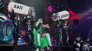 Katy perry bon appétit (live) witness the tour