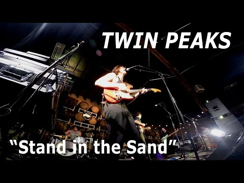 """Twin Peaks perform """"Stand in the Sand"""" (Live on Sound Opinions)"""