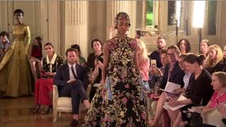 Valentino Haute Couture Fall/Winter 2018-2019 streaming