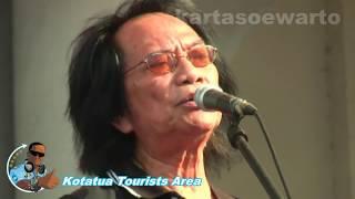 Kisah Sedih Di Hari Minggu - Koes Plus (Kotatua Live 2012)