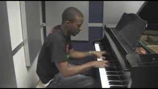Kiss Kiss - Chris Brown Piano Cover