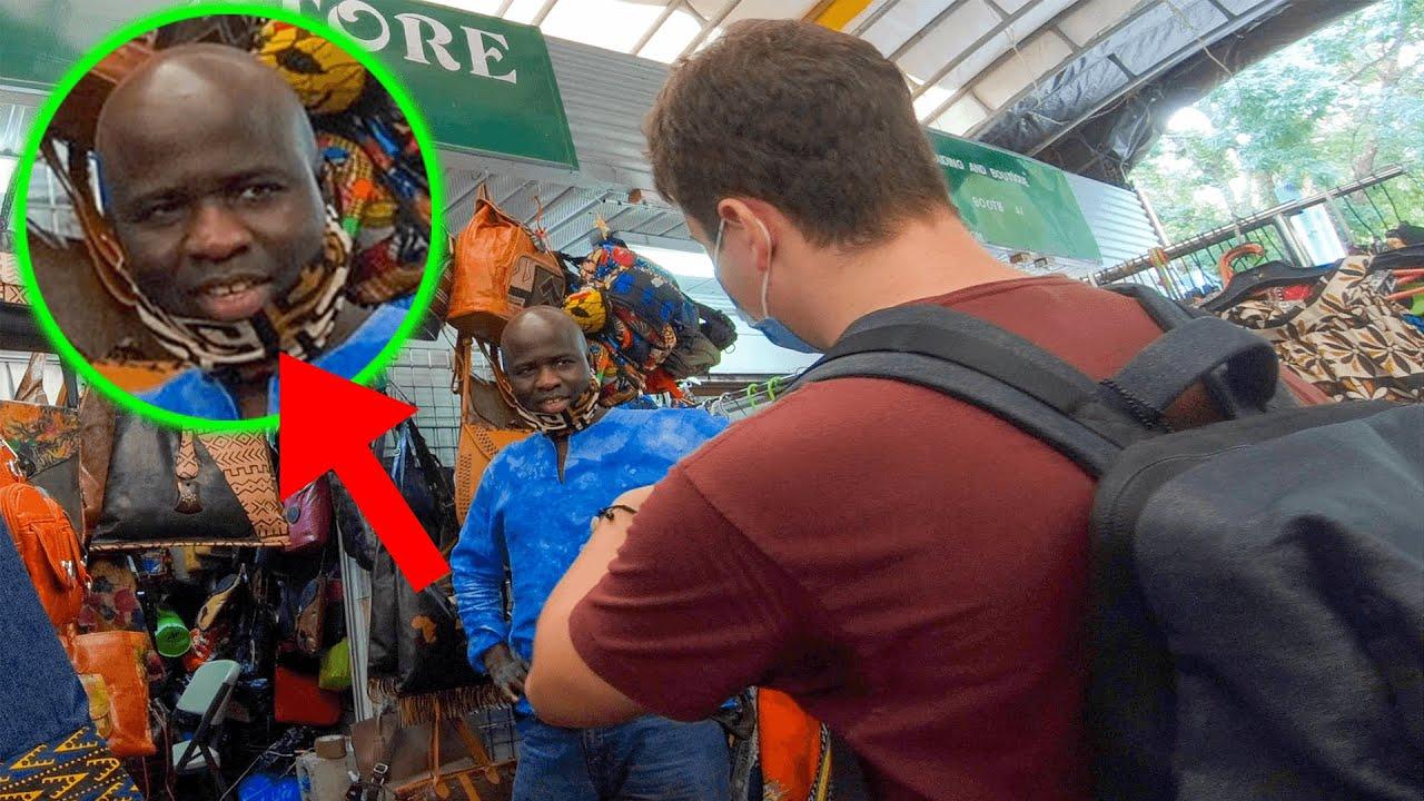 Americano sorprende a mercado africano hablándoles en su idioma