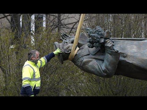 Генсек НАТО поддержал политиков, сносивших памятник Коневу…