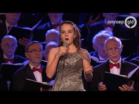 Nijmeegs mannenkoor met Amira Willighagen - concert 25 december 2017