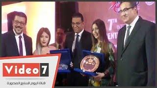 تكريم جنات وسارة سلامة واحمد سعد ومحمد نور فى حفل جامعة المنصورة