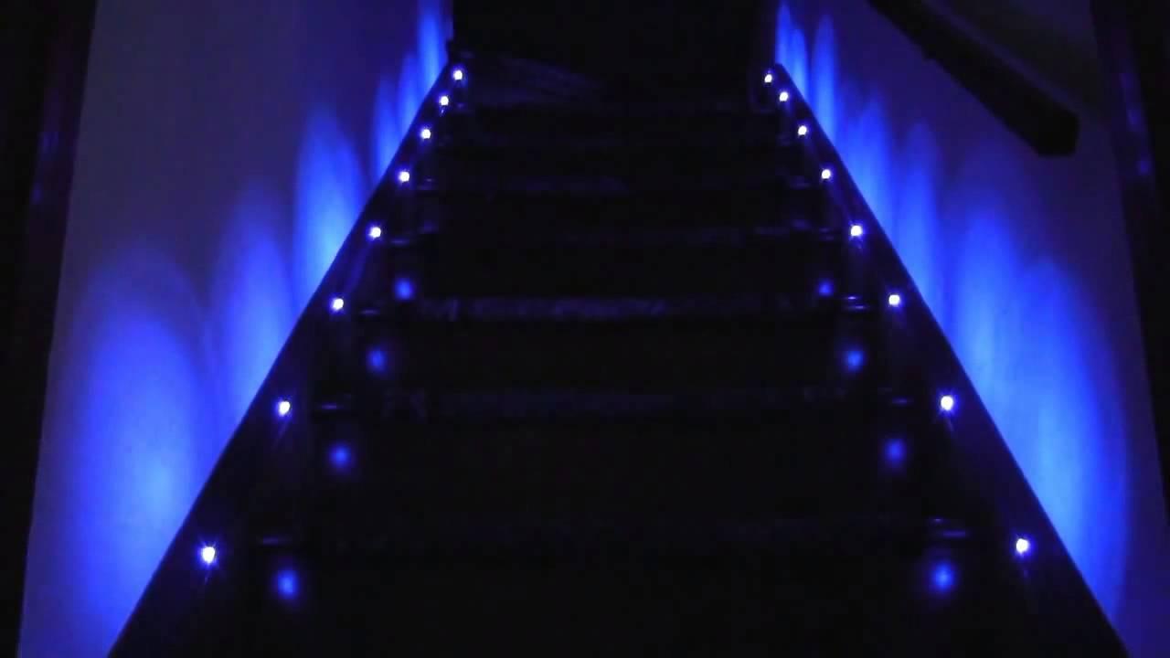 escaliers d clanchement automatique youtube. Black Bedroom Furniture Sets. Home Design Ideas