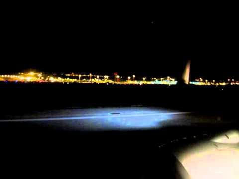 Ryanair B737-800 landing at Marseille Provence Airport