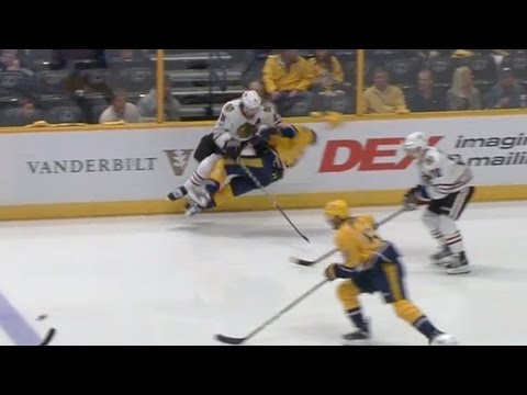 Gotta See It: Keith blasts Arvidsson's helmet off with clean hit