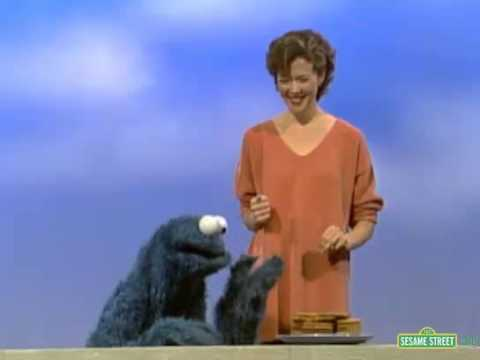 Sesame Street - Cookie Monster and Annette Bening (full version)