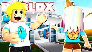 CookieSwirlC Visits the Taco Crew Mansion! Roblox Bloxburg Role-play