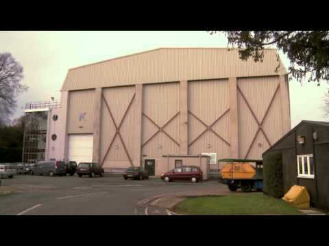Exclusive Red Dwarf Video: Sneaking at Shepperton Studios