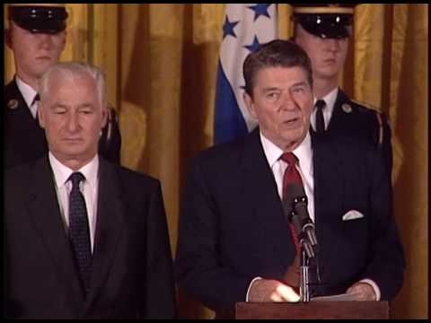 President Reagan Meeting with President Azcona of Honduras o