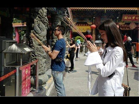 Nadech Yaya together in Hong Kong