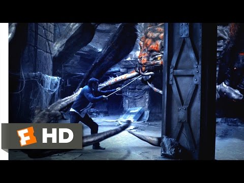 Spiders 3D (11/12) Movie CLIP - Fighting the Spider Queen (2013) HD