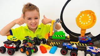 Nikita bermain dengan Hot Wheels Monster Truck