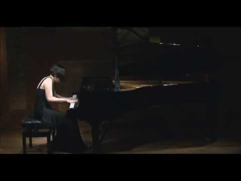 Caroline Fischer - Liszt: La Campanella (with musical introduction in Korean)