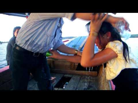 Khuv Xim Kuv Lub Neej - Yias Vaj & Maiv Ker Lauj 52 Hmong new Year 2015-16 best sad song