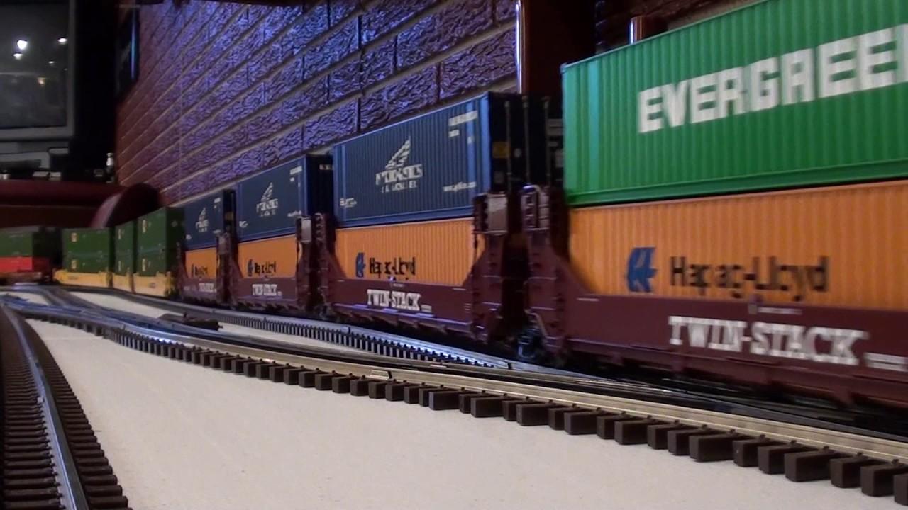 Lionel Train Crossing Bank Youtube Bachmann Ez App N Scale