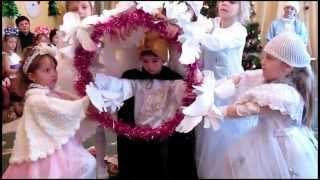 Очень нежный и красивый новогодний танец.