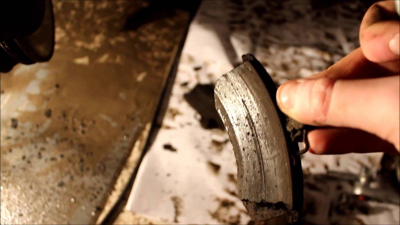 Лада Приора: Замена передних тормозных колодок