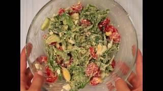 Диетический салат с рукколой, овощами и брынзой