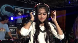 Video Dj Charisa Revanol New King Star Live Prigi 2018 download MP3, 3GP, MP4, WEBM, AVI, FLV Mei 2018