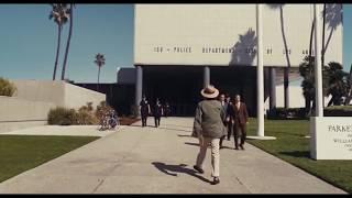 Joaquin Phoenix caminando