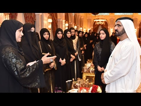 محمد بن راشد يستقبل أوائل طلبة جامعات الإمارات