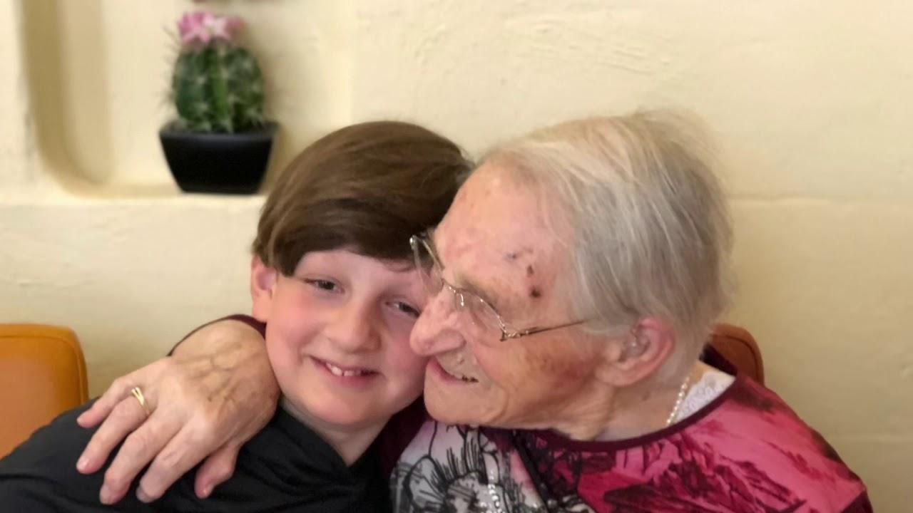 Coolste Oma der Welt - YouTube
