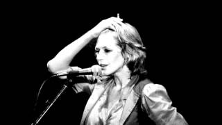 Marianne Faithfull - King at night (Live in Paris)