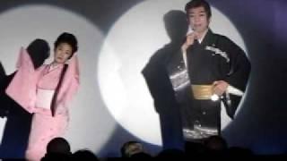 林健二さんの歌に合わせて吉野悦世さんの舞踊がありました。 ファンの皆...