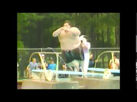 FAT GUY JUMPS INTO POOL