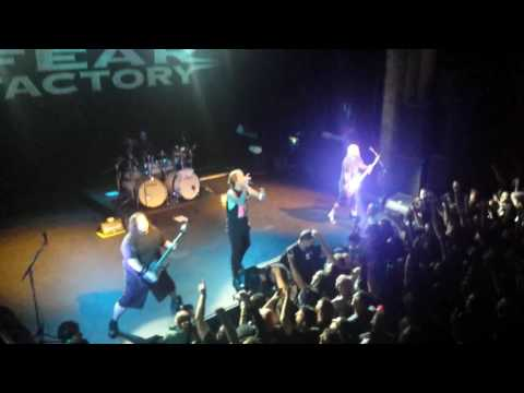 FEAR FACTORY LIVE @ THE TIVOLI BRISBANE 2/6/16 - DEMANUFACTURE