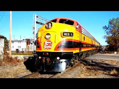 """Kansas City Southern's """"Southern Belle"""" with a LOT of horn action!"""