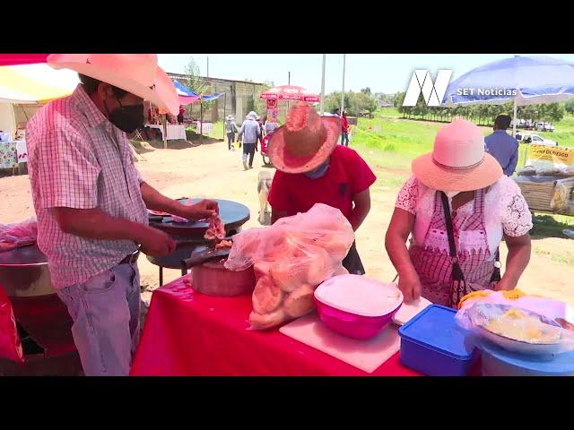 Trabajadores del campo en la zona del #socavonpuebla tuvieron que dedicarse a la venta de alimentos