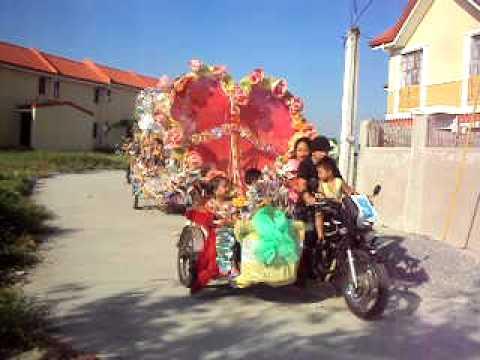 Parade float ideas doovi for Princess float ideas